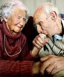 Liefde tussen oudere mensen. Wat is ware liefde?