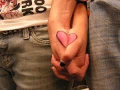 Relatietrouw? Ware liefde? Of relatietherapie?
